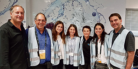 SodaStream CEO Daniel Birenbaum with the Project TEN alumni of The Jewish Agency For Israel and the